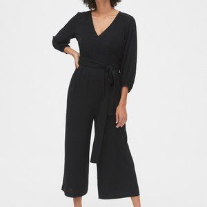 Gap Black v neck romper xl